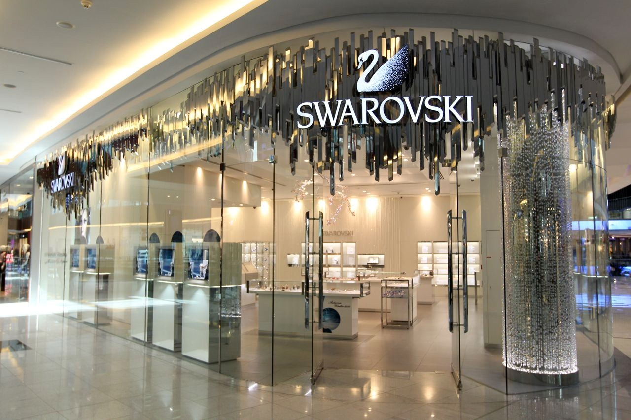 Dubai Mall - Why I love jewelry by Swarovski?