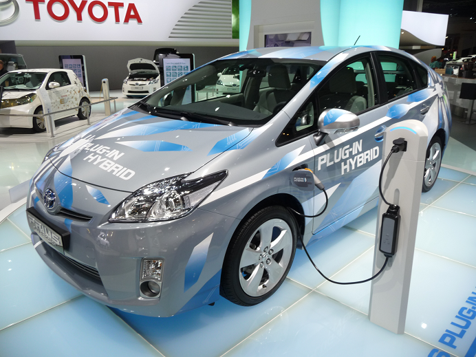 toyota main - Toyota Prius Becomes Share of Dubai Municipality's Convoy