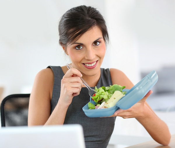 Box a Lunch from home to eat healthy-tips to stay fit-YesGulf