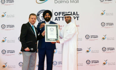 Dalma Mall GWR Award 400x242 - Dalma Mall Bags GUINNESS WORLD RECORDS title for Longest Greetings Card mosaic Made in History   A New Record Title Added to the Achievements of Abu Dhabi