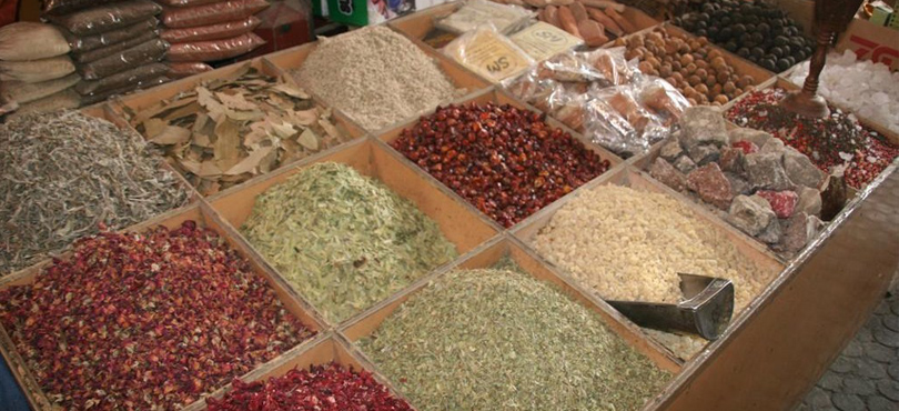 GOLD SOUKS SPICE MARKETS - Looking for a checklist of places to visit in Dubai at night?