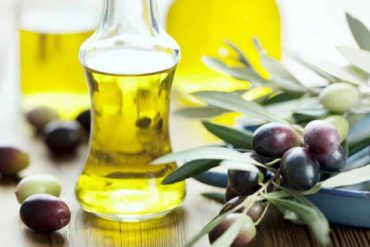 What is jojoba oil Do you know its facts and benefits for hairs 370x247 - What is jojoba oil? Do you know its facts and benefits for hairs?
