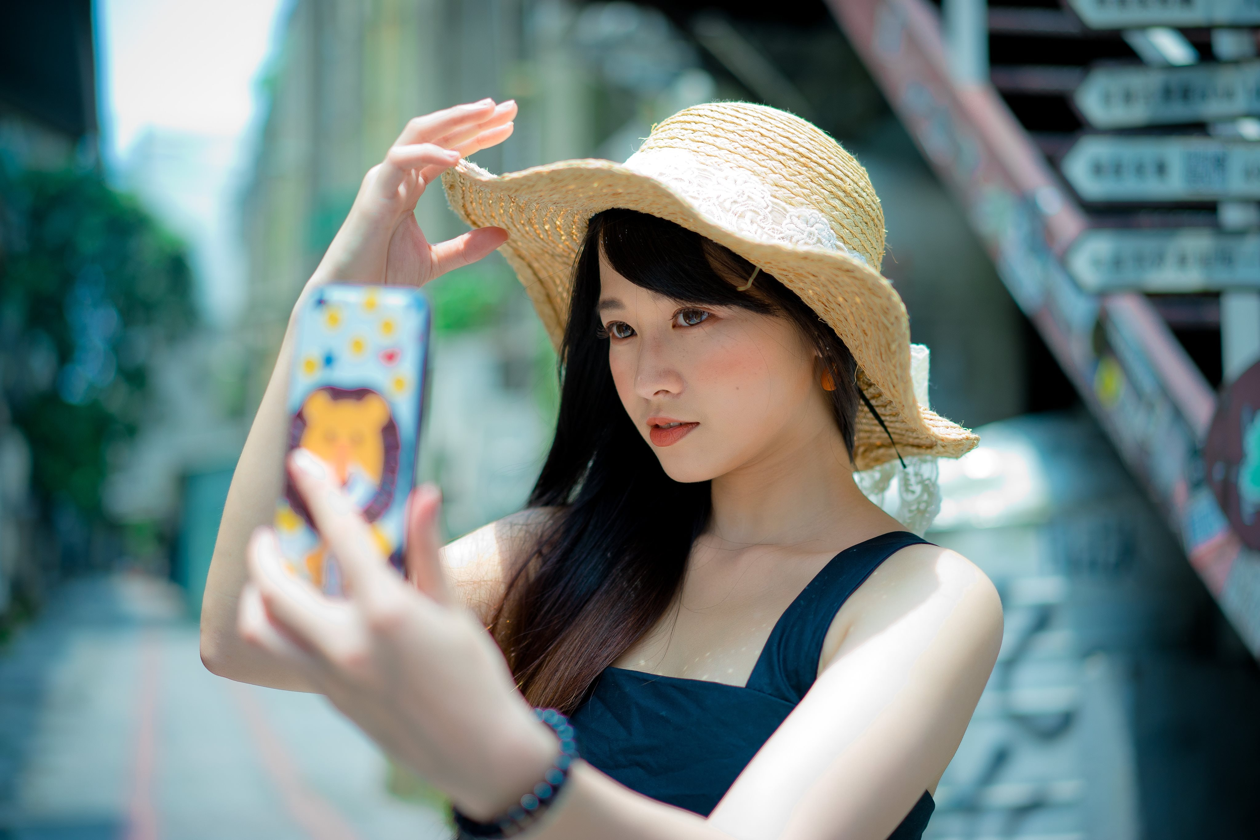 beautiful beauty casual 1101597 - Selfies Can't Replace the Portrait Art Traditions
