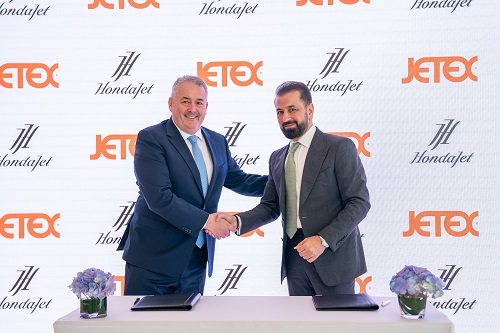 Adel Mardini of Jetex signs with Simon Roads of Honda Aircraft Company Photo AETOSWire 15444252301 - Jetex Now the Exclusive Dealer in the Middle East for Hi-Tech New HondaJet