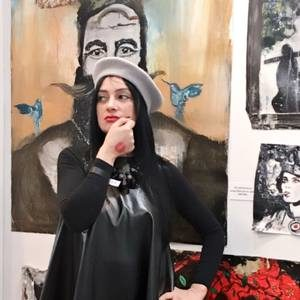 suzi nassif 300x300 - Famous Portrait Artists and their Passions